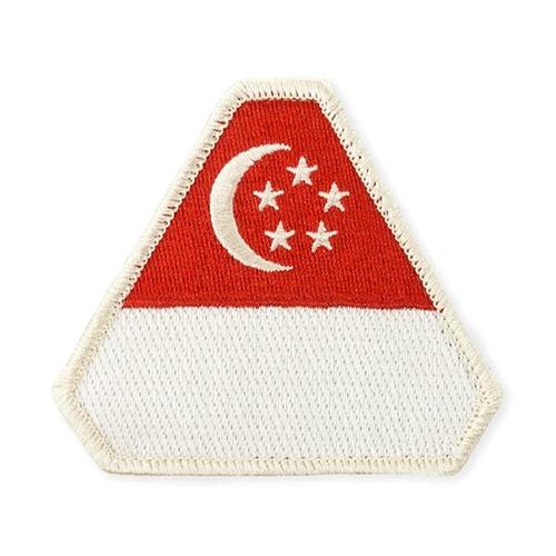 flag_singapore_1024w_fbb8bb36-0b55-4aa8-a6c7-274489c205c2_grande.jpg